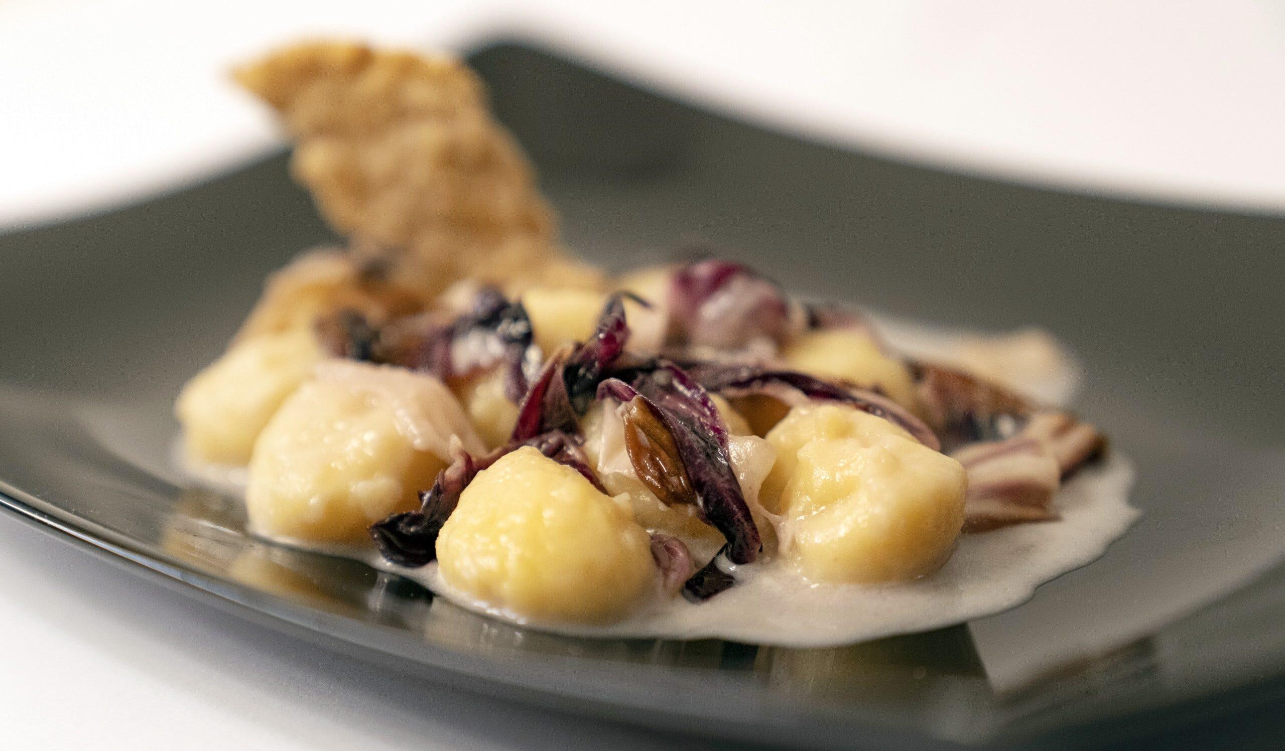 Gnocchi aus Schüttelbrot mit Radicchio und Blauschimmelkäse