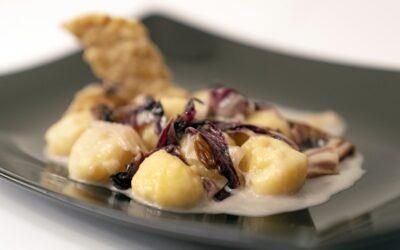 Schüttelbrot gnocchi with radicchio and blue cheese